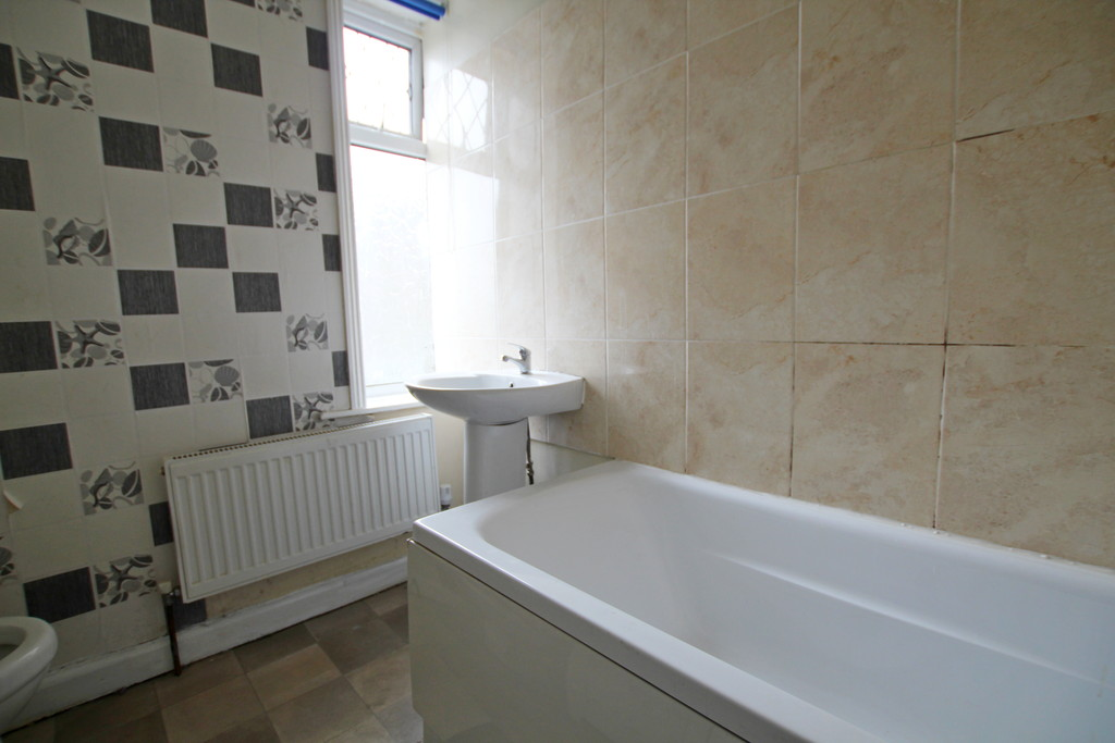 2 bedroom mid terraced house To Let in Accrington - photograph 9.