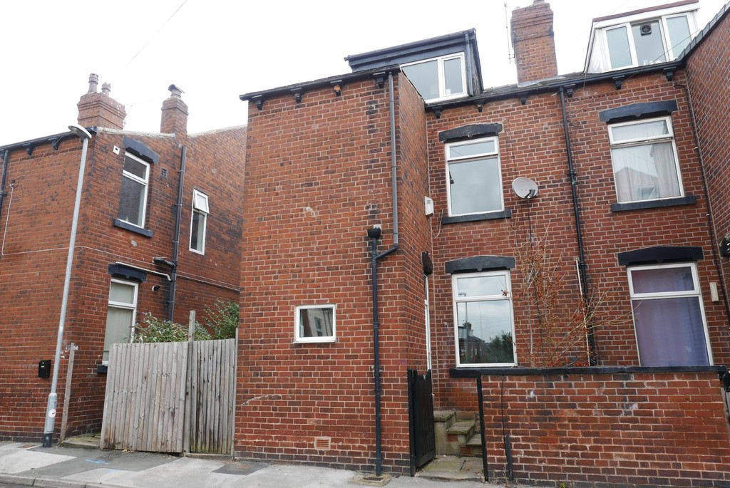 64 Conference Road, Armley Leeds, LS12 3DX