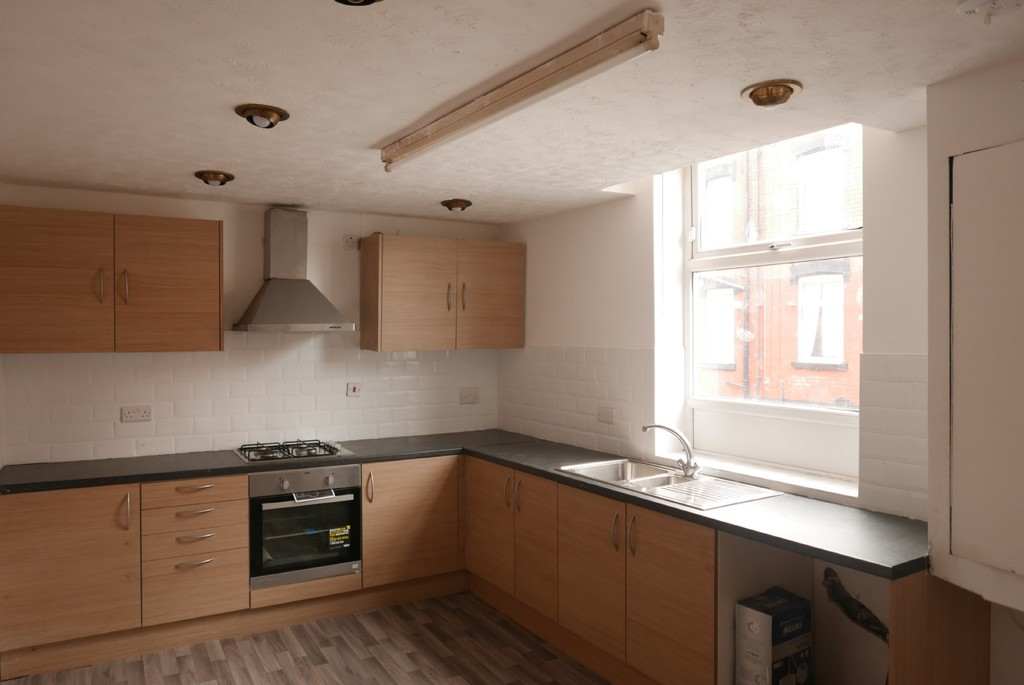 4 Whingate Grove, Armley, Leeds, LS12 3RD