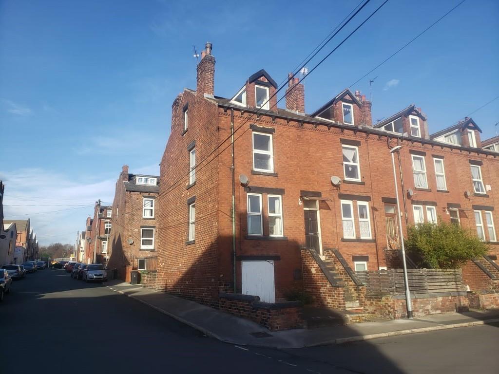 20 Salisbury Grove, Armley, Leeds, LS12 2AS