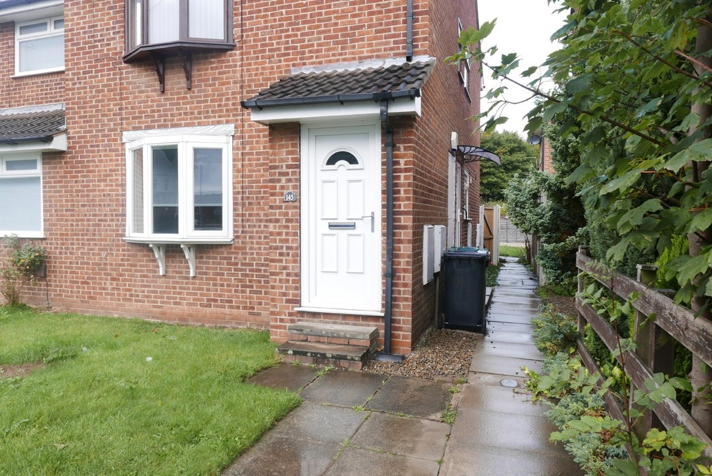 143 Whincover Drive, Farnley, Leeds, LS12 5AE