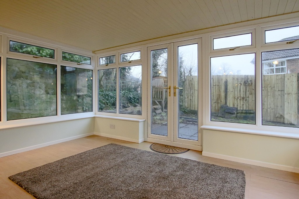 2 Bedroom Link Detached House To Rent - Image 5