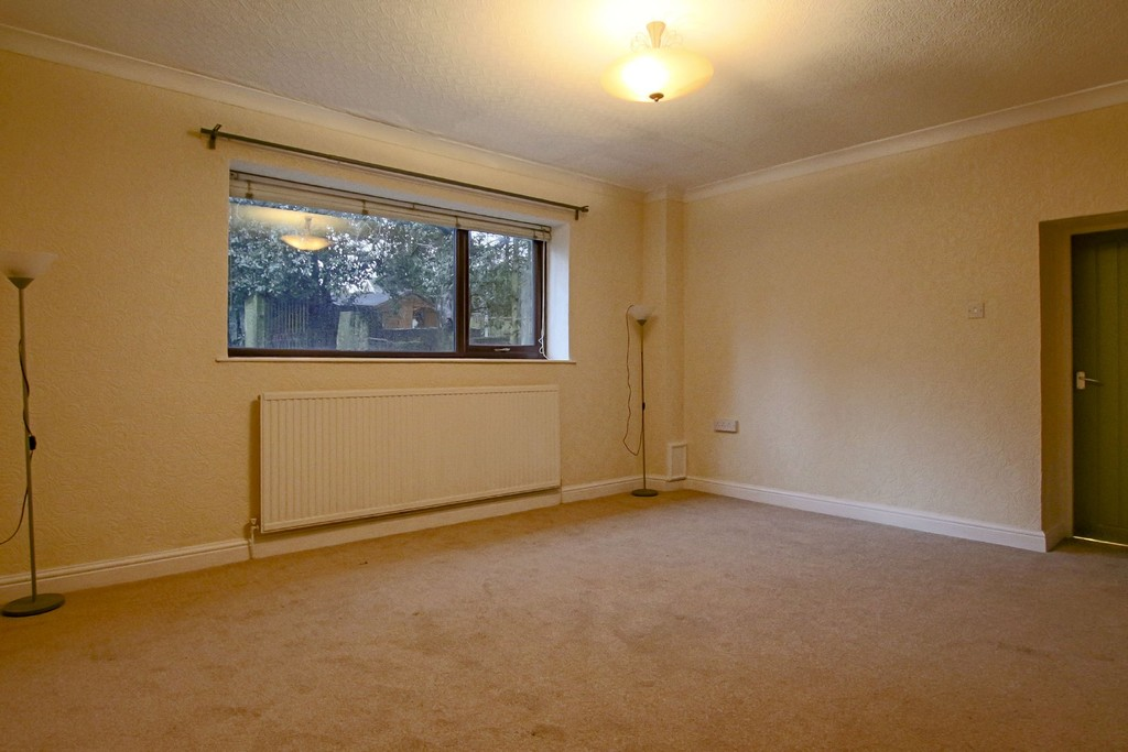 2 Bedroom Link Detached House To Rent - Image 18