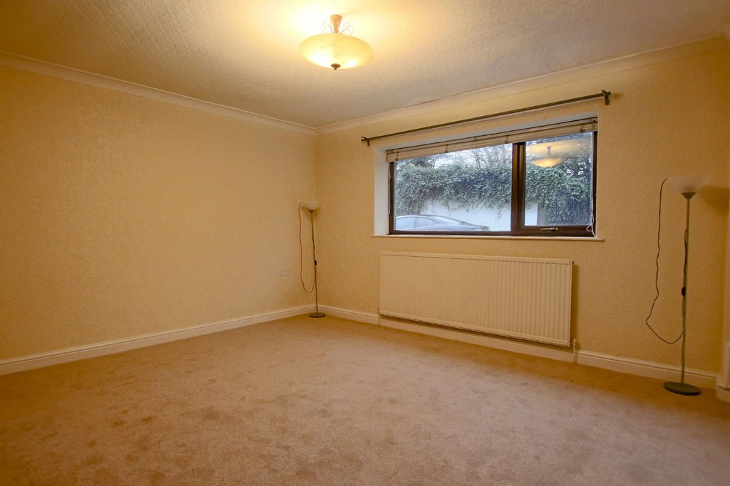 2 Bedroom Link Detached House To Rent - Image 21