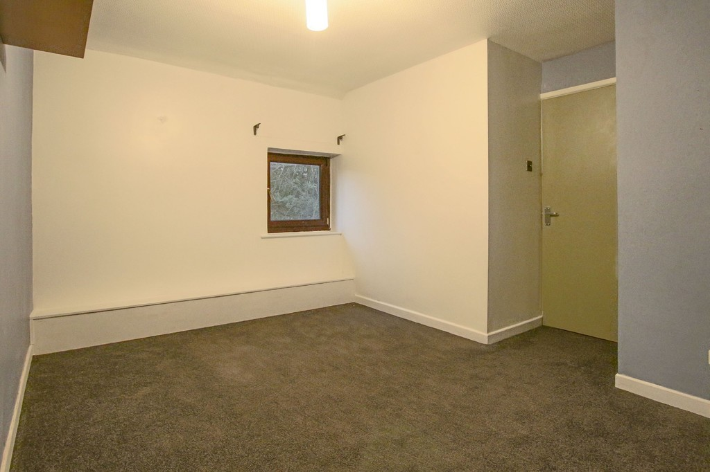 2 Bedroom Link Detached House To Rent - Image 19