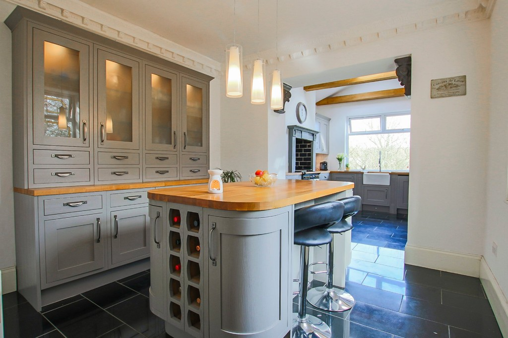 5 Bedroom End Terraced House To Rent - Image 3
