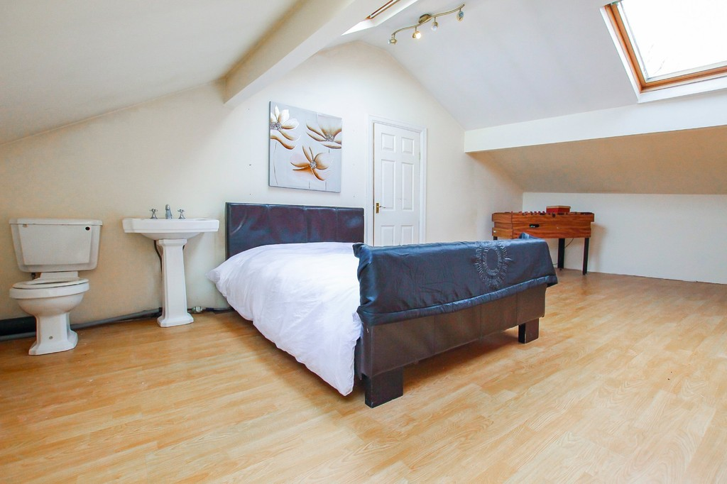 5 Bedroom End Terraced House To Rent - Image 7