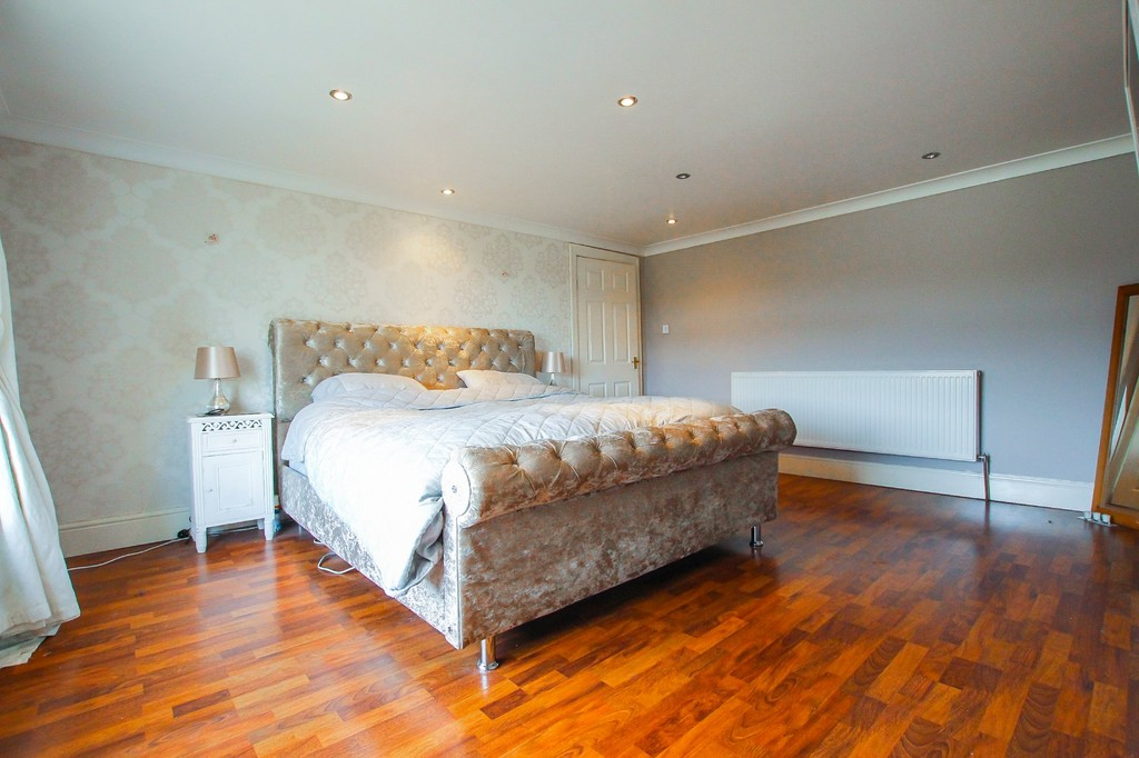 5 Bedroom End Terraced House To Rent - Image 5