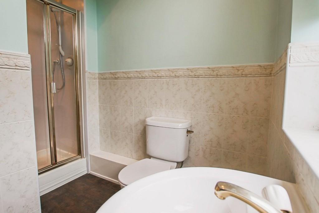 4 Bedroom Detached House To Rent - Image 23