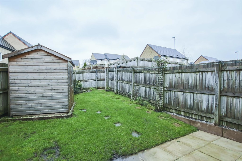 3 Bedroom Mews House To Rent - Image 13