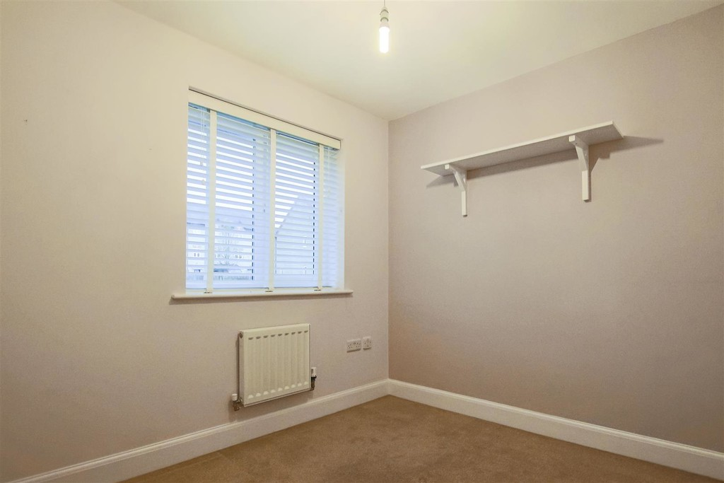 3 Bedroom Mews House To Rent - Image 12