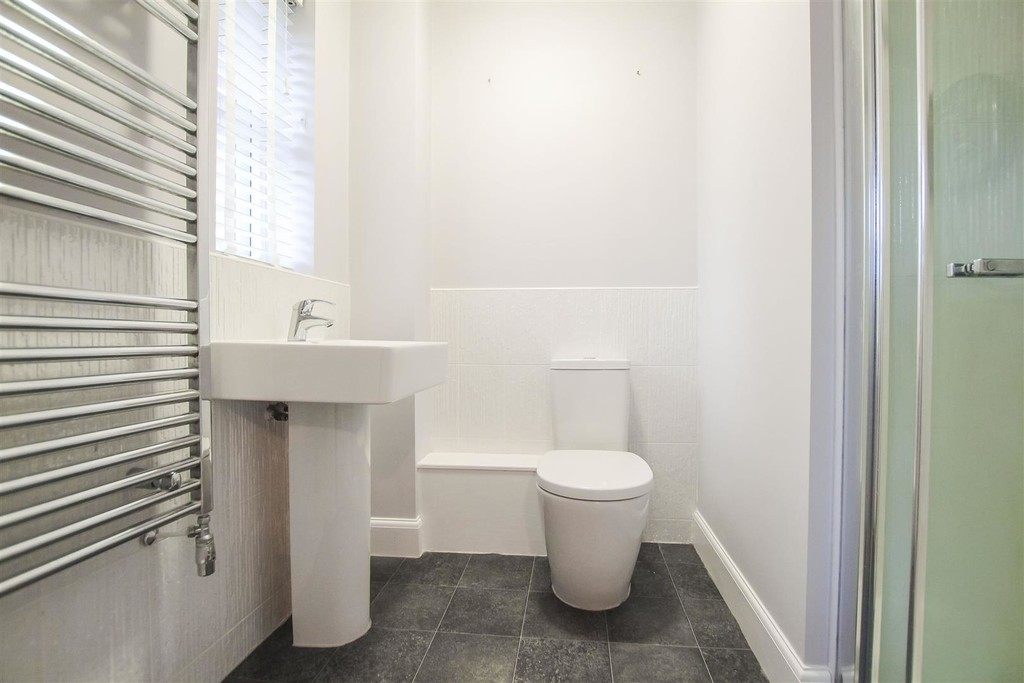 3 Bedroom Mews House To Rent - Image 7