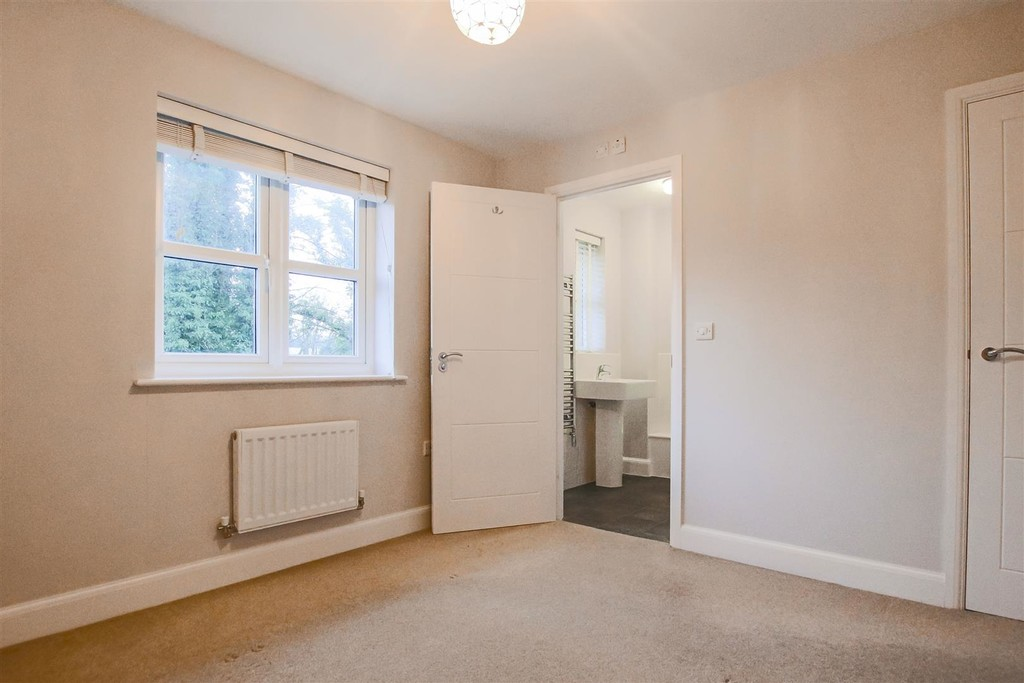 3 Bedroom Mews House To Rent - Image 6
