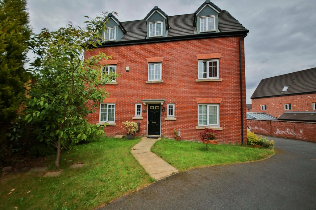 5 Bed Detached House To Rent - Main Image