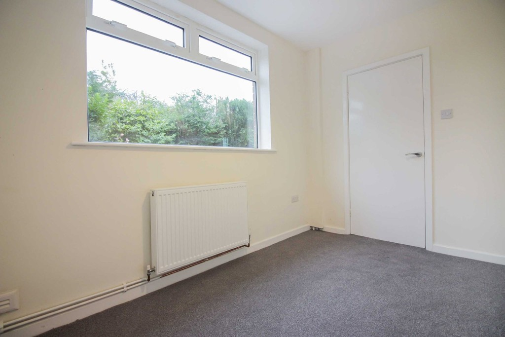 3 Bedroom Detached House To Rent - Image 14