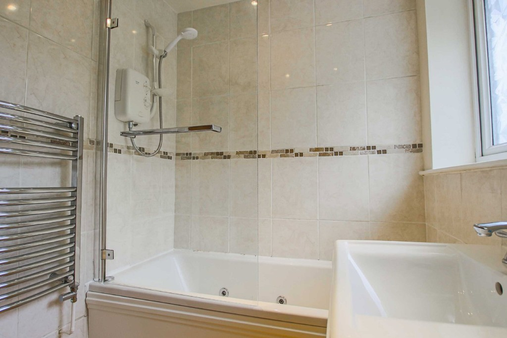 3 Bedroom Semi-detached House To Rent - Image 14