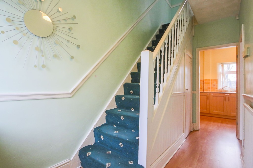 3 Bedroom End Terraced House To Rent - Image 9