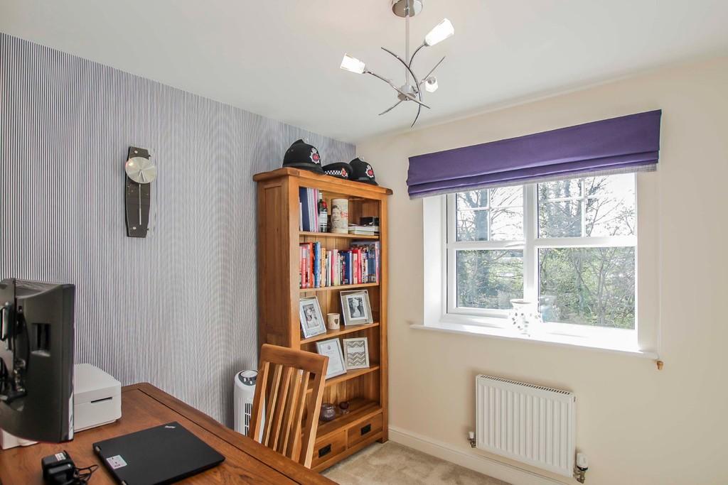 4 Bedroom Detached House To Rent - Image 5