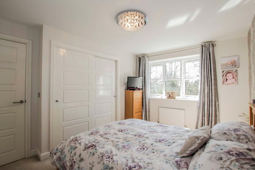4 Bedroom Detached House To Rent - Image 14