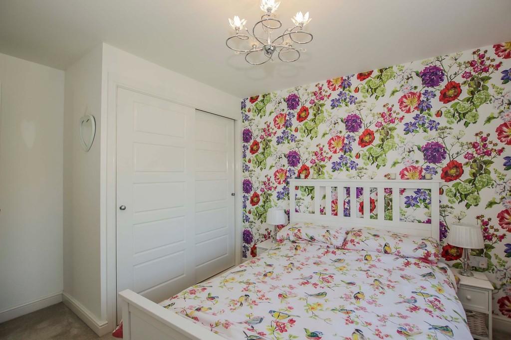 4 Bedroom Detached House To Rent - Image 16