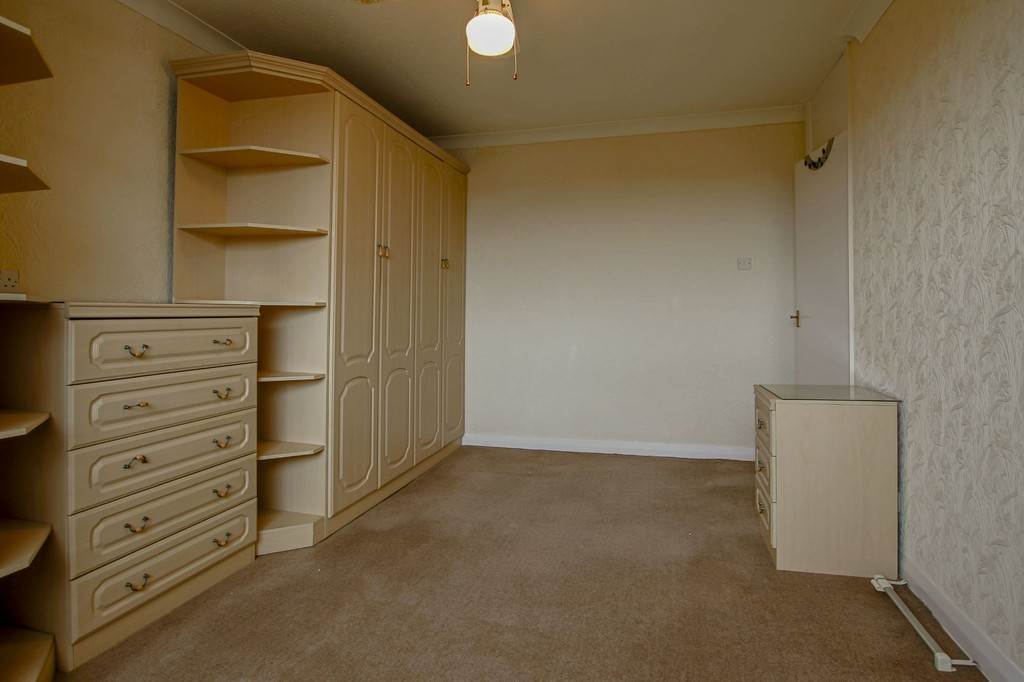 3 Bedroom Semi-detached Bungalow Bungalow To Rent - Image 14