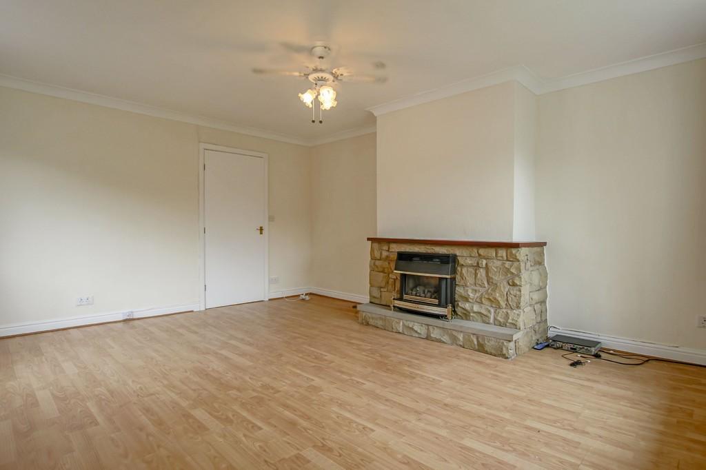 3 Bedroom Semi-detached Bungalow Bungalow To Rent - Image 15