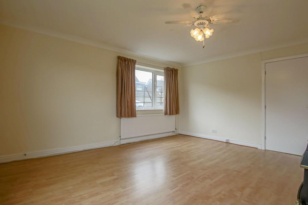 3 Bedroom Semi-detached Bungalow Bungalow To Rent - Image 16