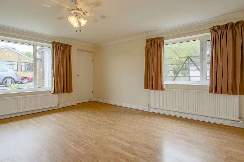 3 Bedroom Semi-detached Bungalow Bungalow To Rent - Image 4