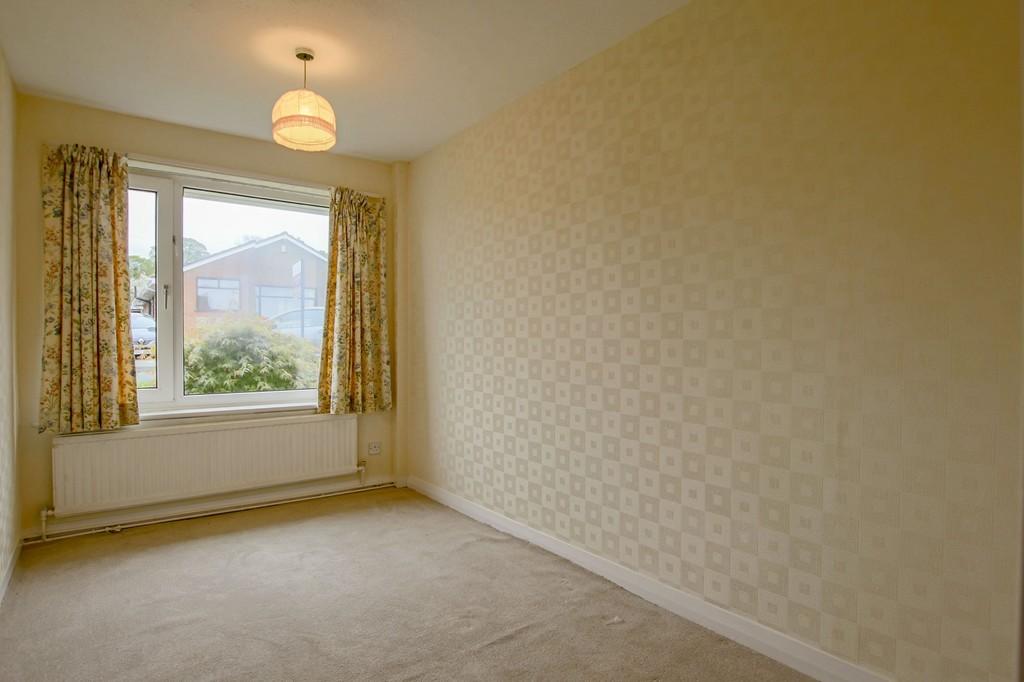 3 Bedroom Semi-detached Bungalow Bungalow To Rent - Image 6