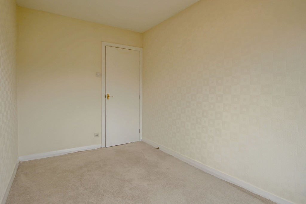 3 Bedroom Semi-detached Bungalow Bungalow To Rent - Image 11