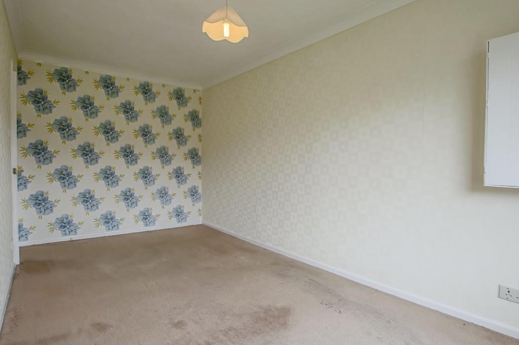 3 Bedroom Semi-detached Bungalow Bungalow To Rent - Image 12