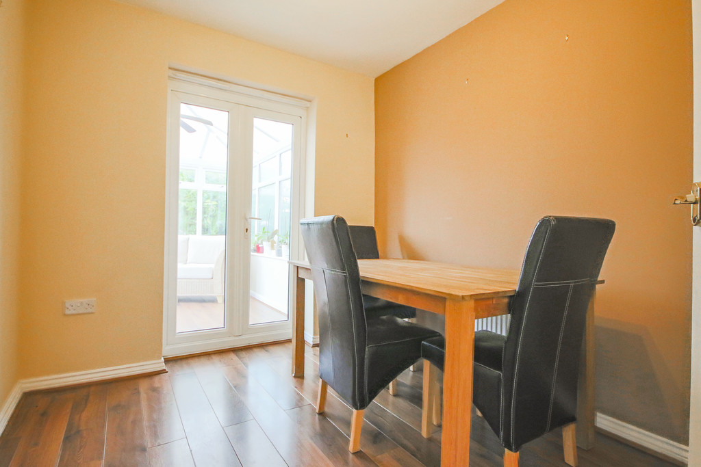 3 Bedroom End Terraced House To Rent - Image 17