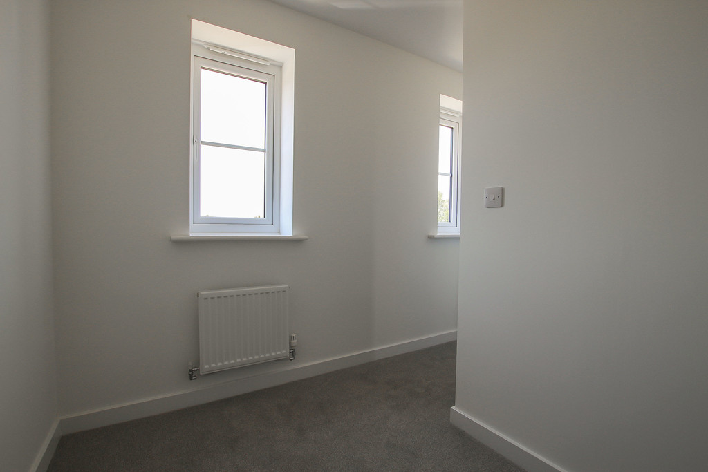 3 Bedroom Town House To Rent - Image 15