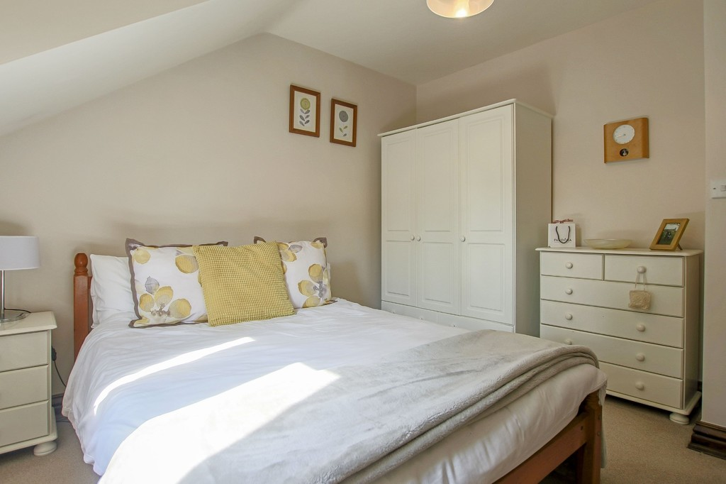 4 Bedroom Detached House To Rent - Image 25