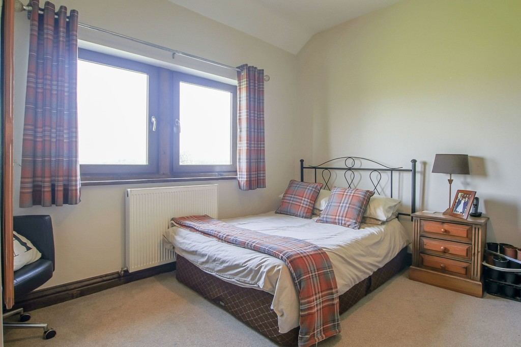 4 Bedroom Detached House To Rent - Image 27