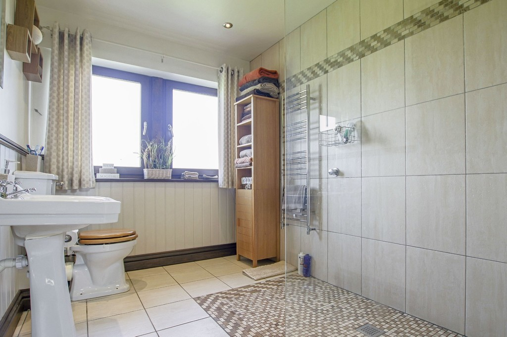 4 Bedroom Detached House To Rent - Image 29