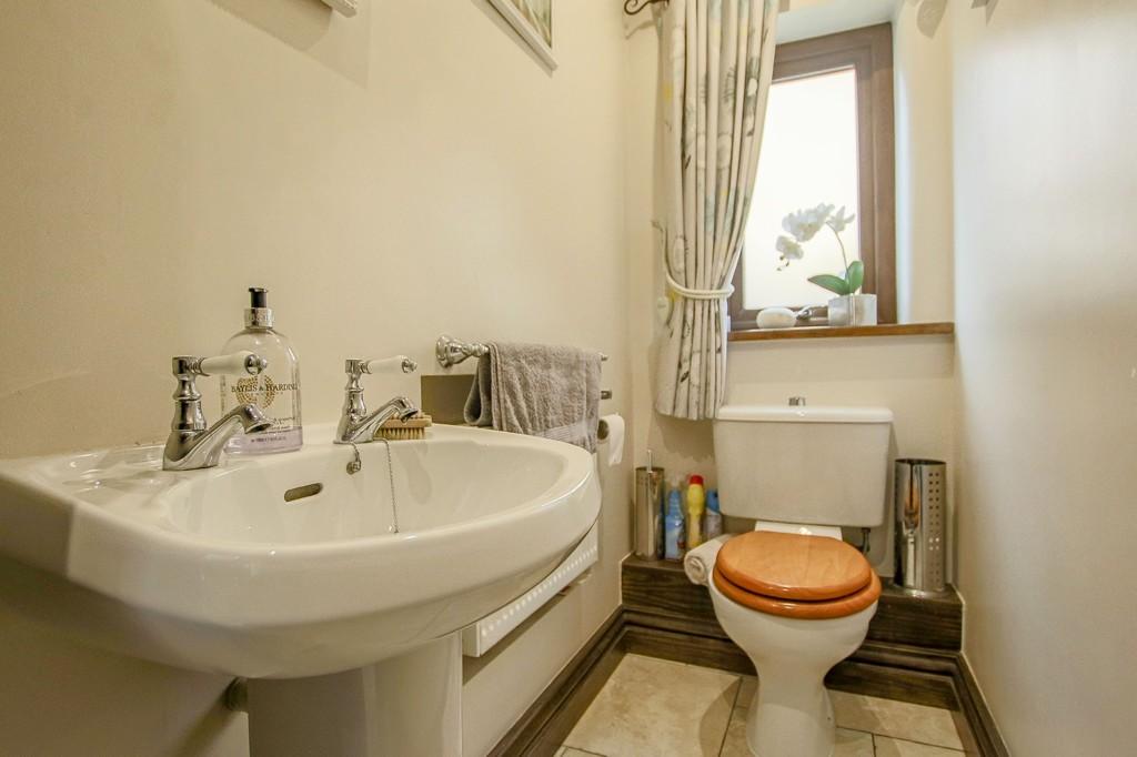 4 Bedroom Detached House To Rent - Image 45
