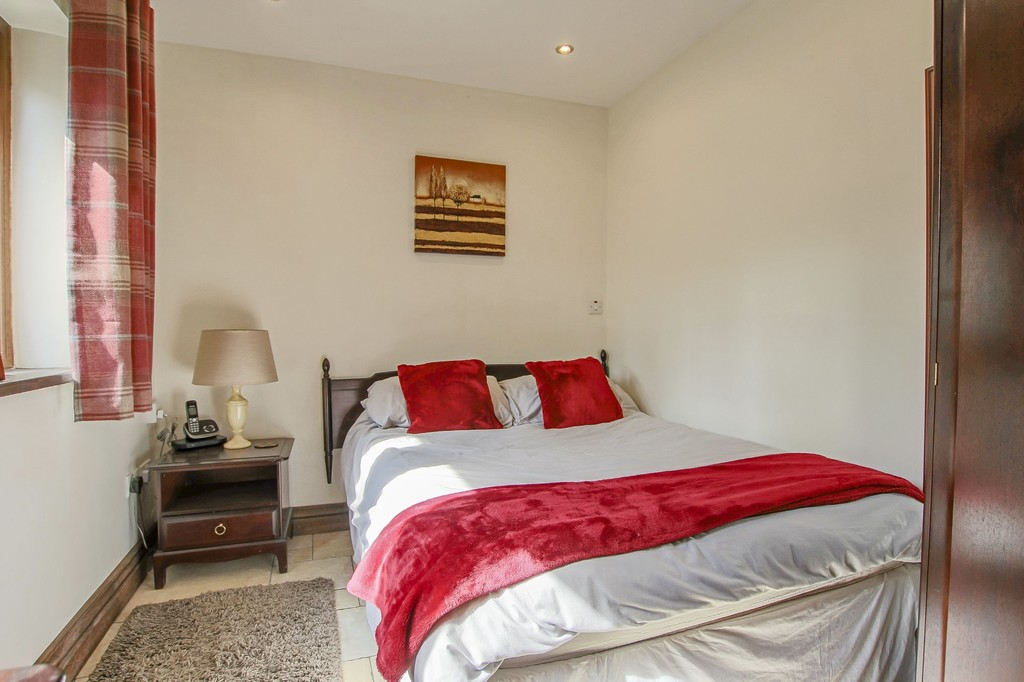 4 Bedroom Detached House To Rent - Image 47