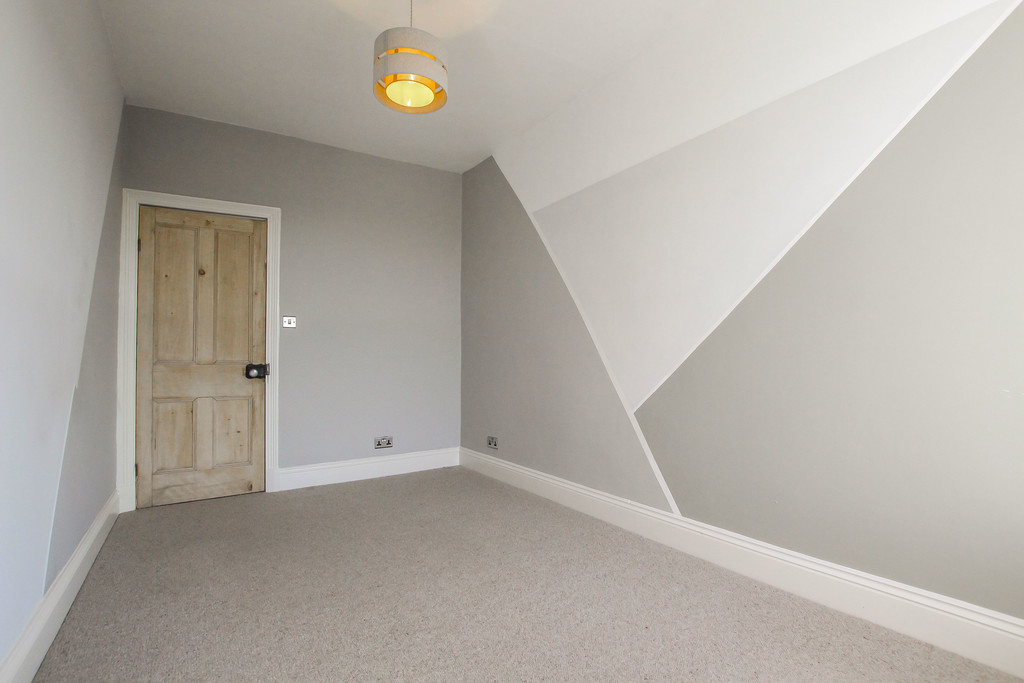 3 Bedroom Mid Terraced House To Rent - Image 23