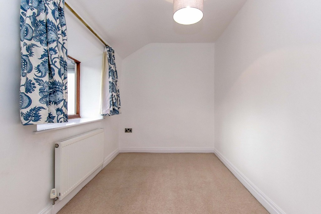 3 Bedroom Cottage House To Rent - Image 36