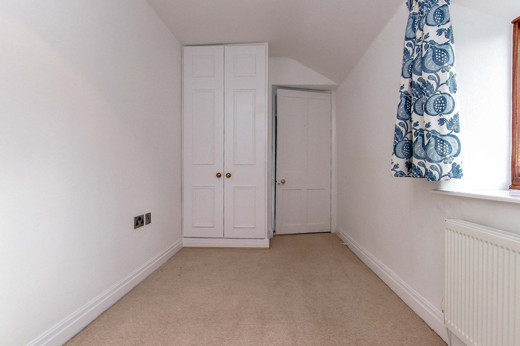 3 Bedroom Cottage House To Rent - Image 37