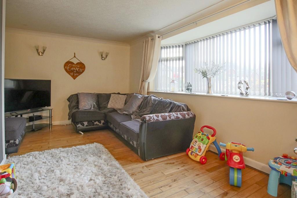 2 Bedroom Detached Bungalow Bungalow To Rent - Image 3