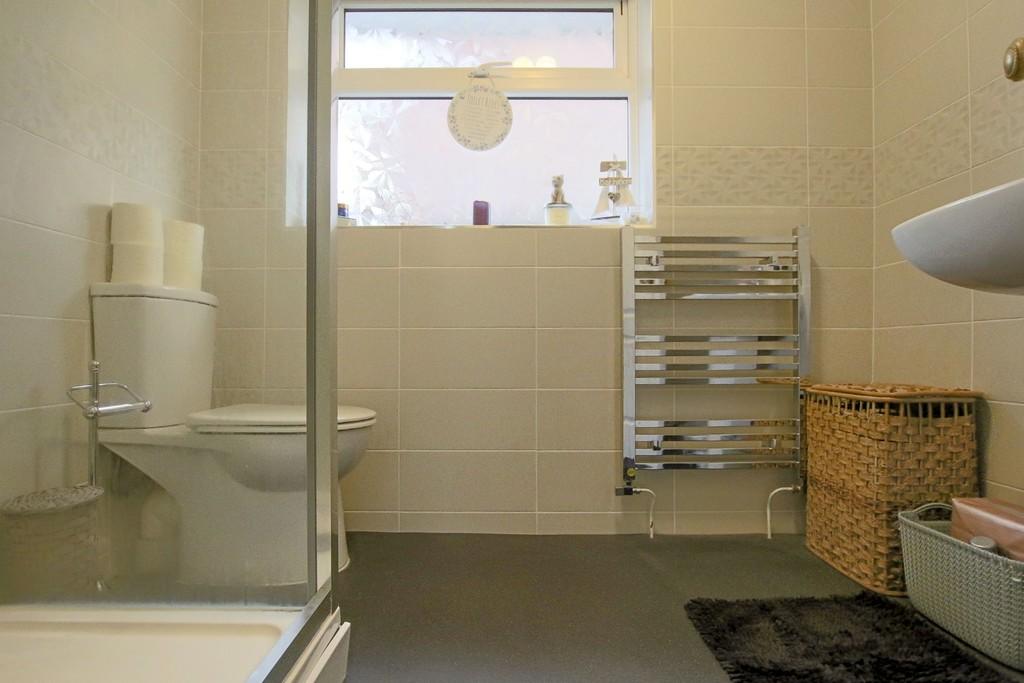 2 Bedroom Detached Bungalow Bungalow To Rent - Image 10