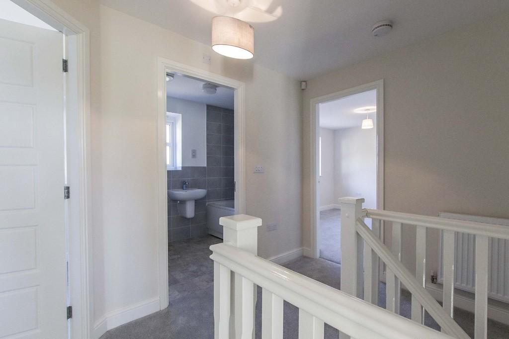 4 Bedroom Detached House To Rent - Image 17
