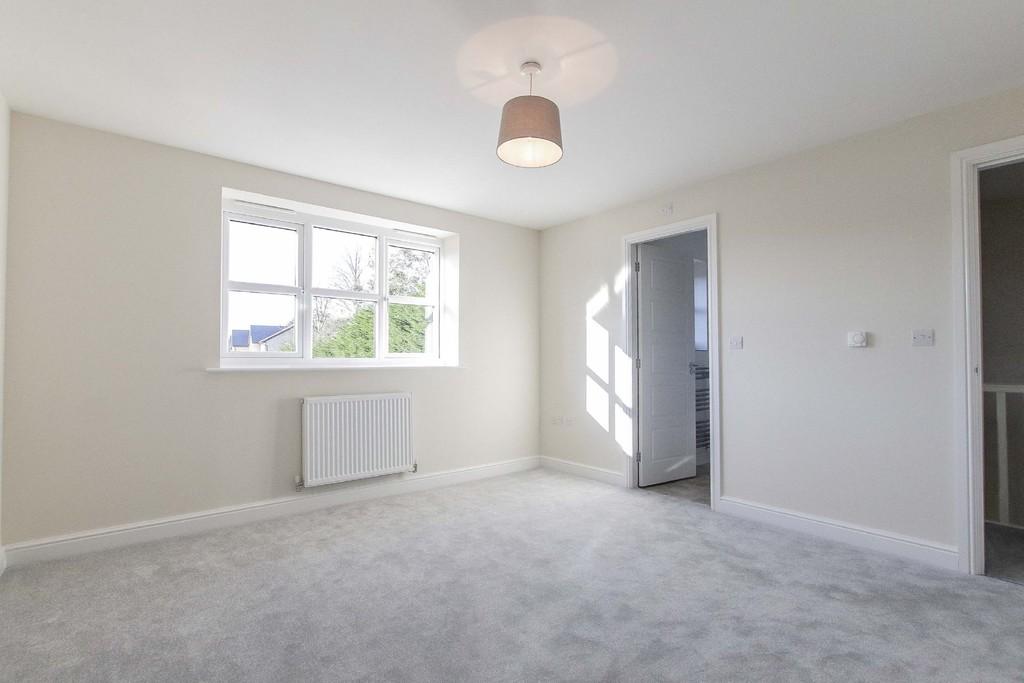 4 Bedroom Detached House To Rent - Image 6