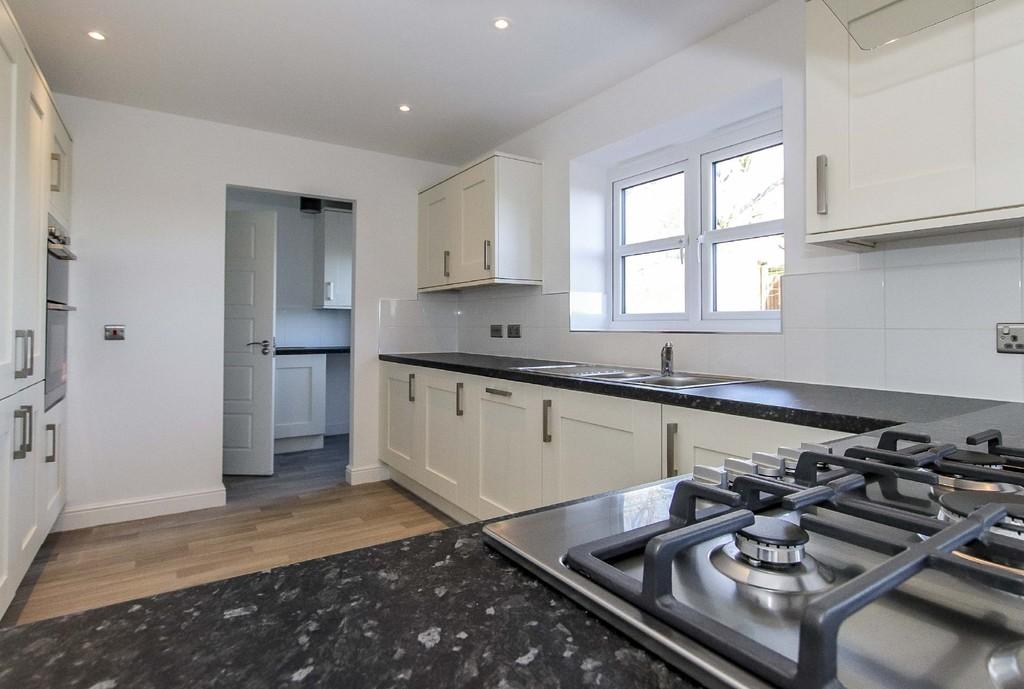 4 Bedroom Detached House To Rent - Image 21