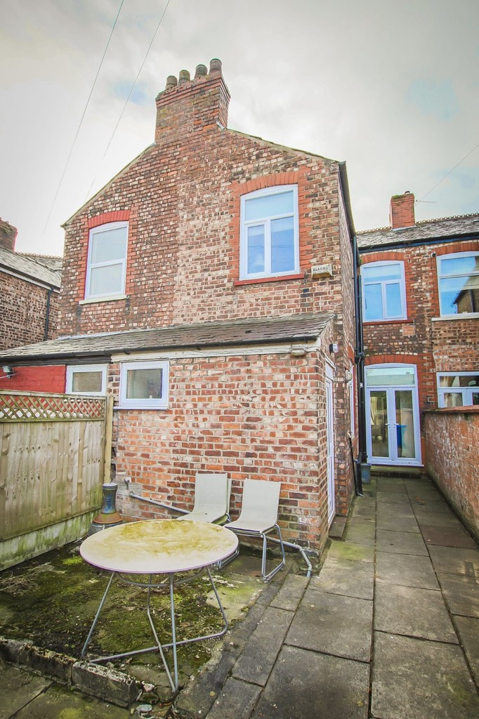 3 Bedroom Mid Terraced House To Rent - Image 27
