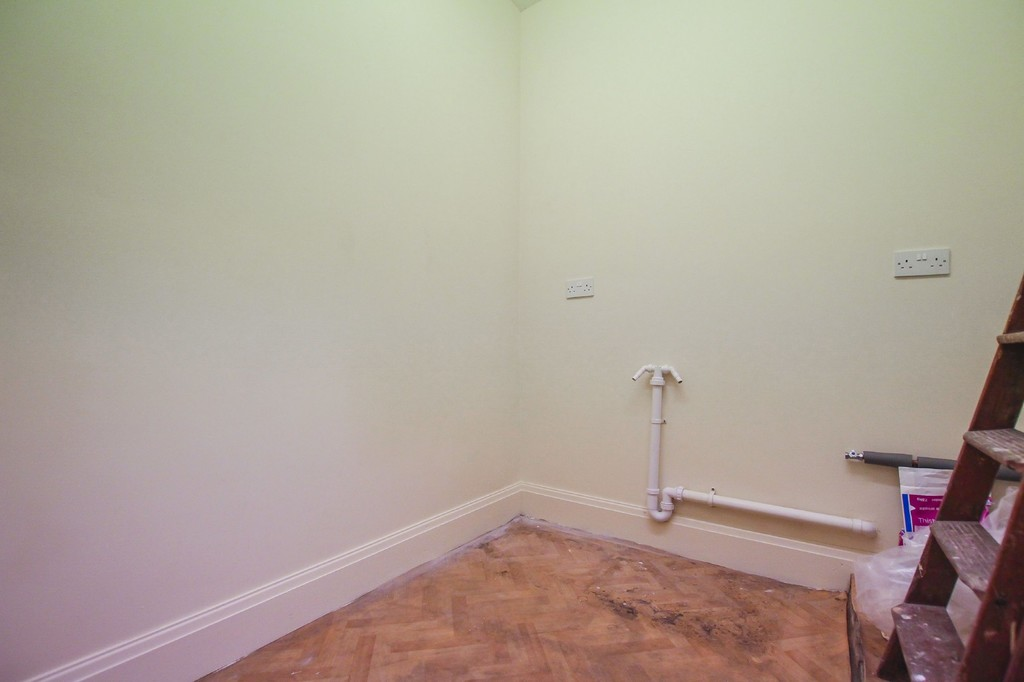 3 Bedroom End Terraced House To Rent - Image 30
