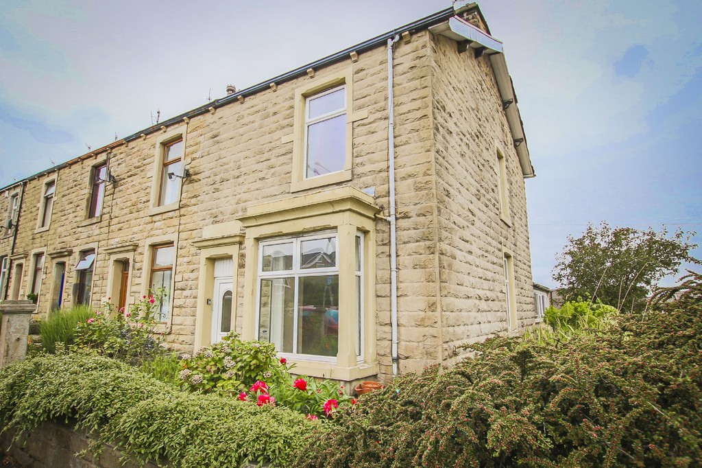 3 Bedroom End Terraced House To Rent - Image 32