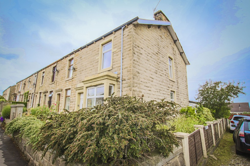 3 Bedroom End Terraced House To Rent - Image 33